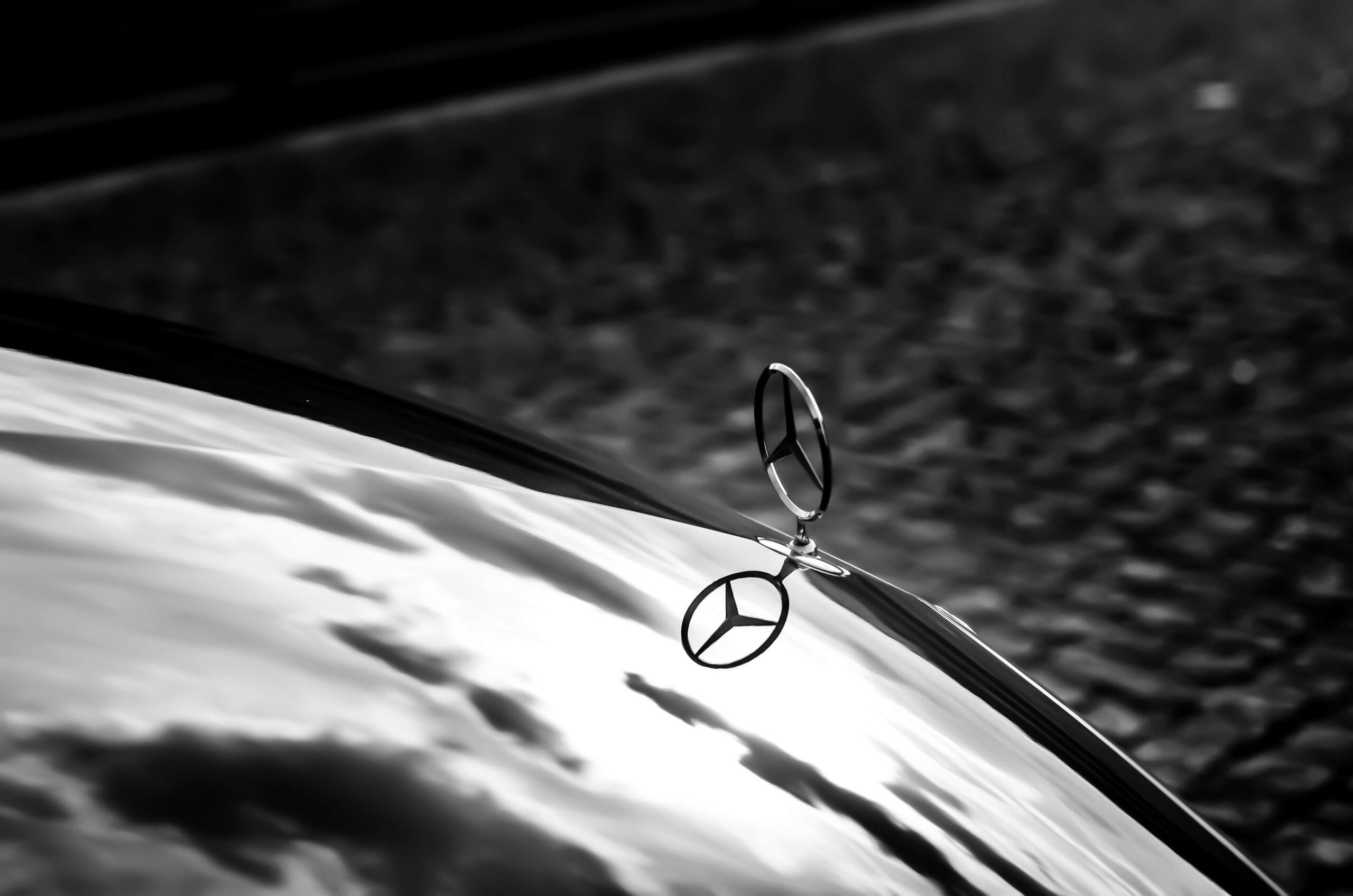 Mercedes Benz logo car detailing